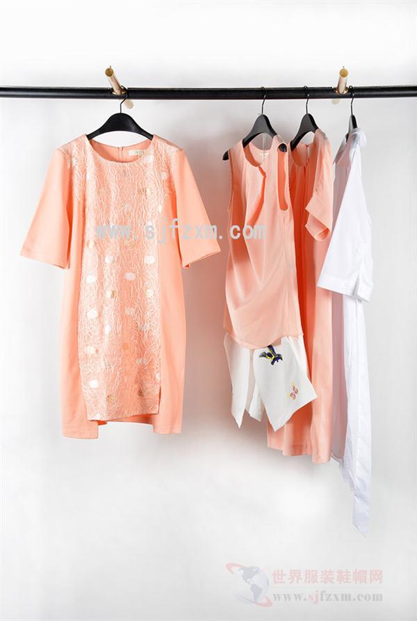 18夏新款时尚女装【可资伊】舒适面料时尚休闲连衣裙
