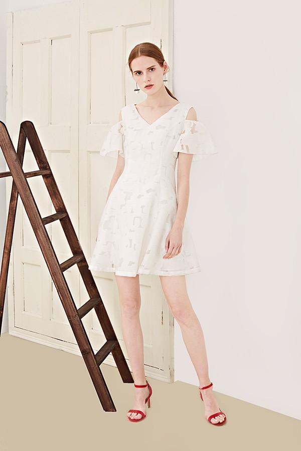 我爱巧克力北京大红门服装尾货批发市场 品牌女装折扣尾货网卡其色大衣