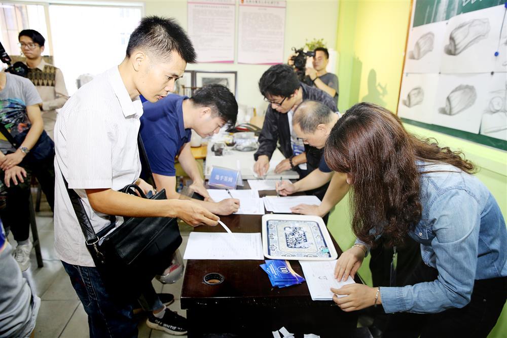 2019年深圳技能大賽—高級禮服定制職業技能競賽決賽(第一輪)舉行