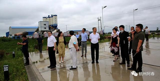 关注 | 外省服装商协会考察团走进淮滨