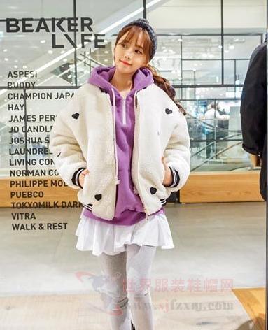 看看冬季街拍就知道韩国人的穿衣风格-世界服
