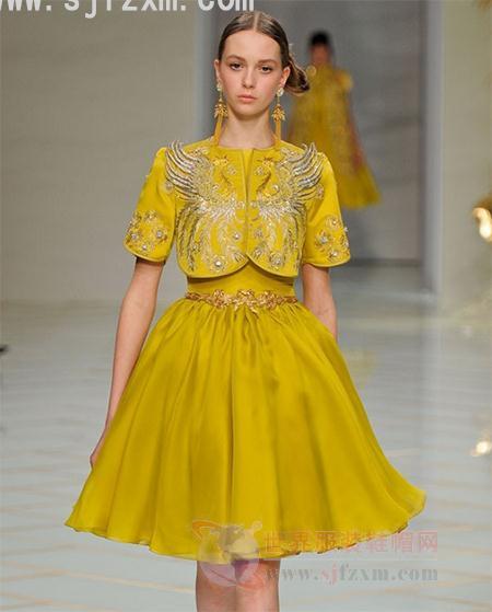 服装设计师郭培:2016春夏巴黎高级定制报纸广告设计的v服装趋势图片