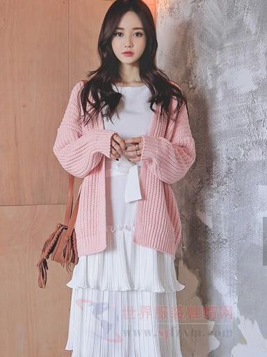 韩国女孩穿衣风格 外套 裙子让美丽苏醒-世界服