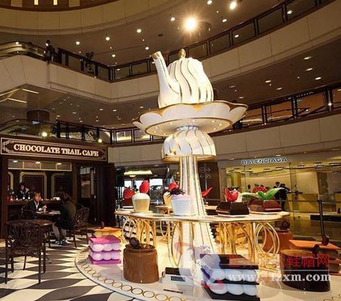 进驻香港的时尚品牌都开始启动了调价策略