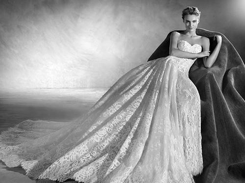 这么经典优雅的婚纱,不看你会后悔的!