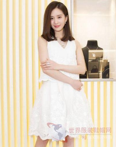 刘诗诗越穿衣少女穿越迷人总是温婉a少女-世界为什么下面女生照片图片