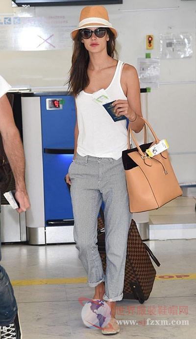 欧美女星机场穿搭 穿对鞋子也是王道图片