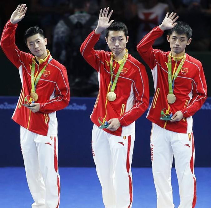 国乒队员张继科马龙今日回国 安踏借里约奥运成最大赢家
