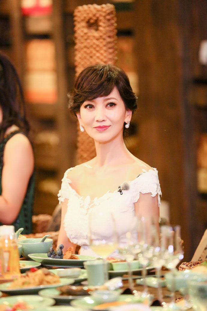 赵雅芝61岁美如
