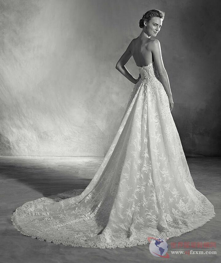 西班牙著名设计师将婚纱变成了一件件艺术品-世界