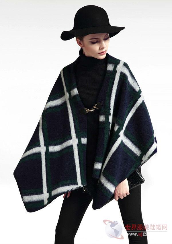蔓露卡女装连衣裙_蔓露卡:服装中的收藏品紧追国际潮流