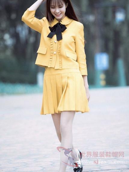 杨幂刘诗诗都在穿的高腰裙 秀出好身材