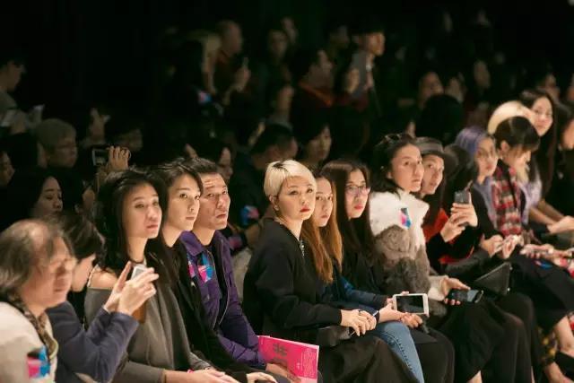 香港时装节秋冬系列华丽开幕  引领时尚潮流趋势