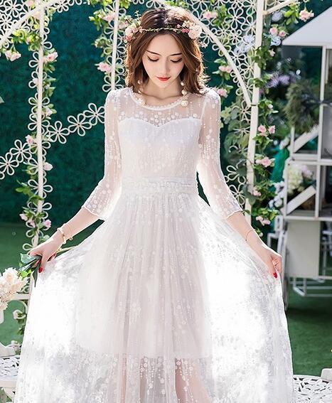 2017春款连衣裙:轻盈飘逸的设计美丽着你 更美丽着心情