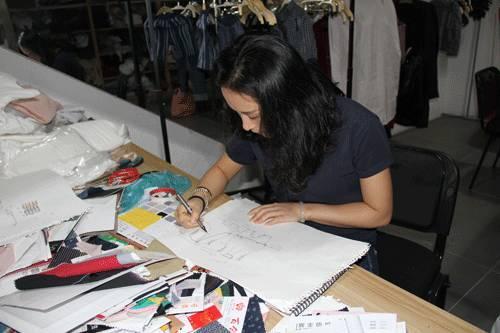 虎门服装设计师追求契合心灵的原创