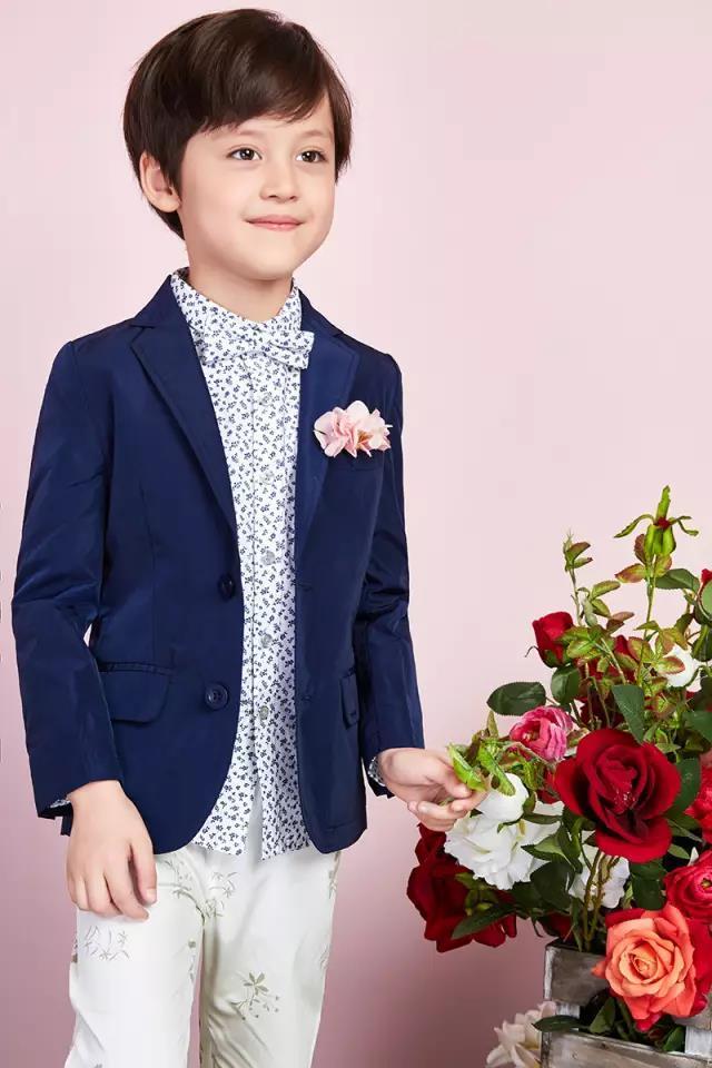 泡泡噜童装成为第二届中传花少语言艺术大赛指定服装品牌