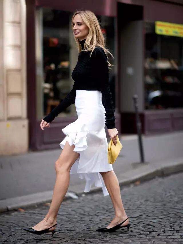 细带设计,搭配轻薄服饰,很显轻盈