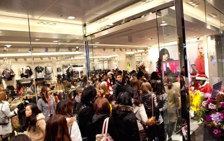 快时尚市场危机四伏 繁荣不再