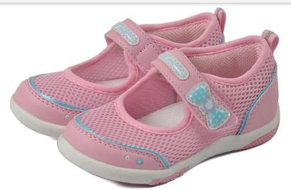 对于年轻妈妈为宝宝选择童鞋应该注意什么很重要,可是影响成长孩子一生的大事