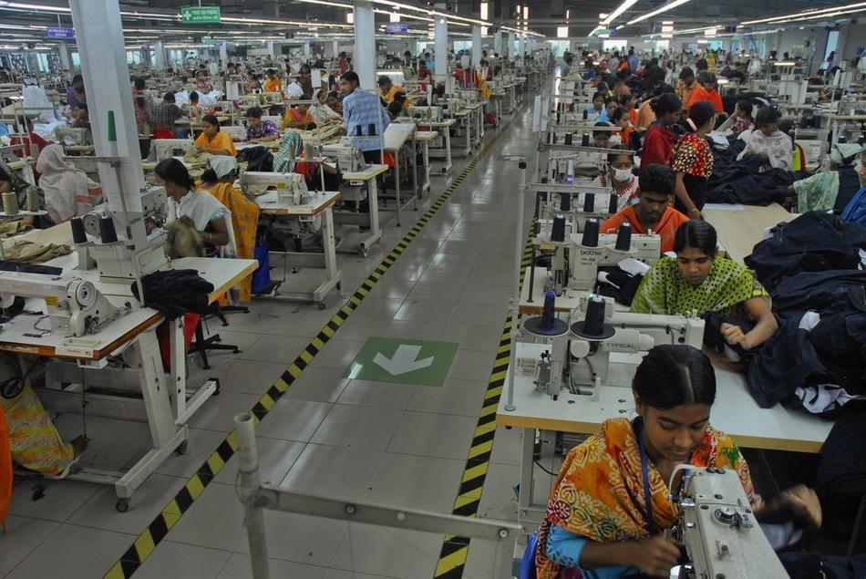 中国服装智能制造有优势 订单正从东南亚回流到中国