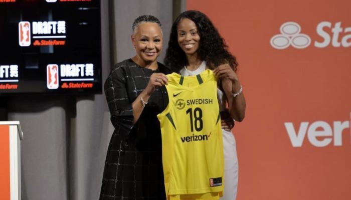 耐克球衣将登上2018赛季WNBA的舞台