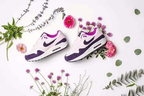 NIKE Air Max 1 Shoes New Powder Purple