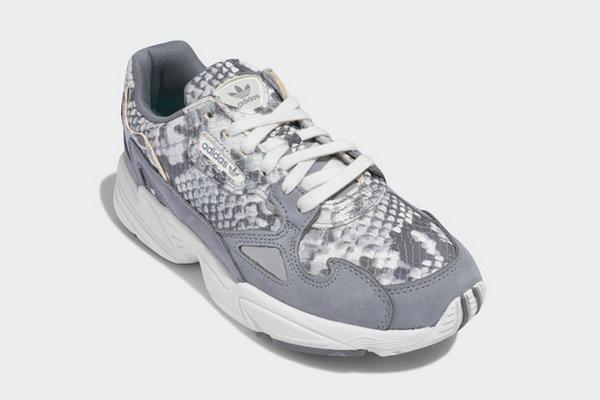temor Aparte seguramente  Adidas New Falcon W Shoes Serpentine Color Matching, Luxury Quality