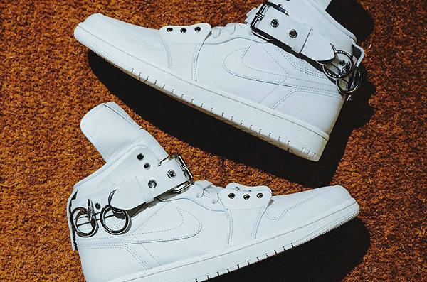 CDG x Air Jordan 1 聯名鞋款純白配色即將發售,最朋克 AJ1~