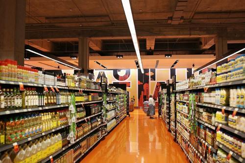 加拿大消費者先逛實體店后網購,重挫逾3成社區商家