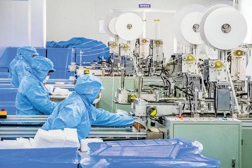 三阳纺织赶制千万美元国际订单 200名技术工人一夜返岗