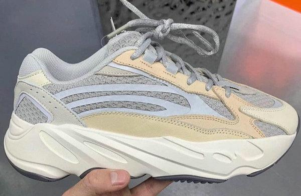 """奶油 YEEZY 700 V2 全新""""Cream""""配色鞋款欣赏"""