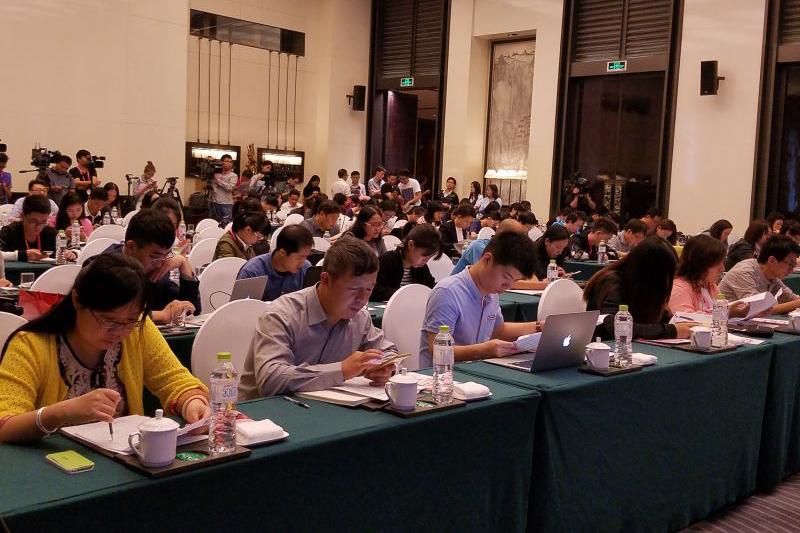 第21届宁波国际服装节10月19-22日举行——男装高峰论坛将带来时尚新趋势
