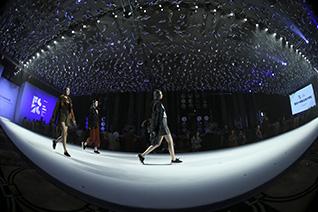 2018时尚深圳展 | 治愈系秀场,久违的时髦感!
